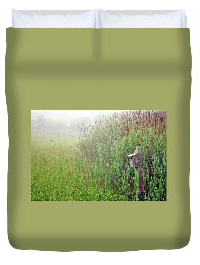 Quogue Wildlife Preserve Duvet Cover featuring the photograph Bird House In Quogue Wildlife Preserve by Rick Berk