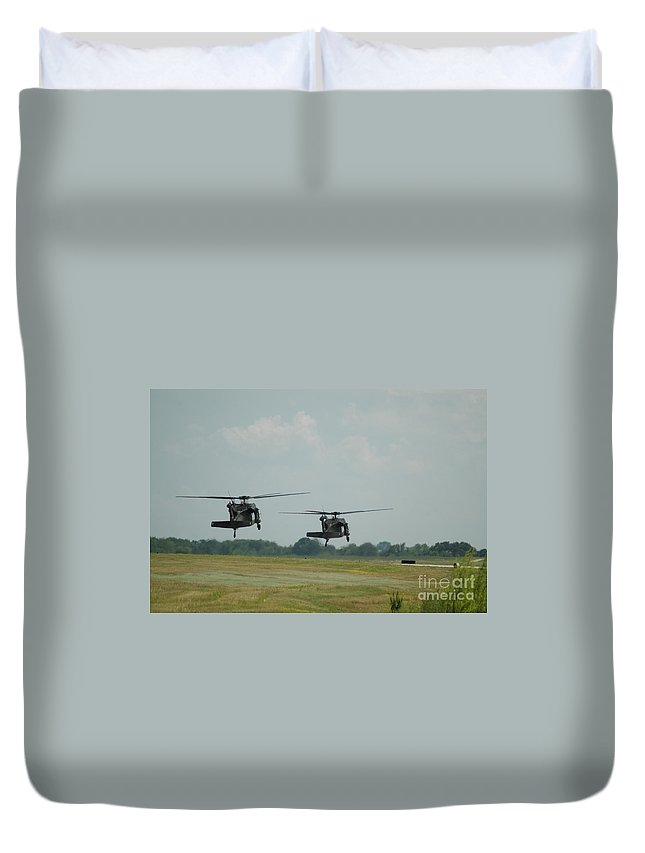 Us Army Duvet Cover featuring the photograph Blackhawks Landing by Tim Mulina