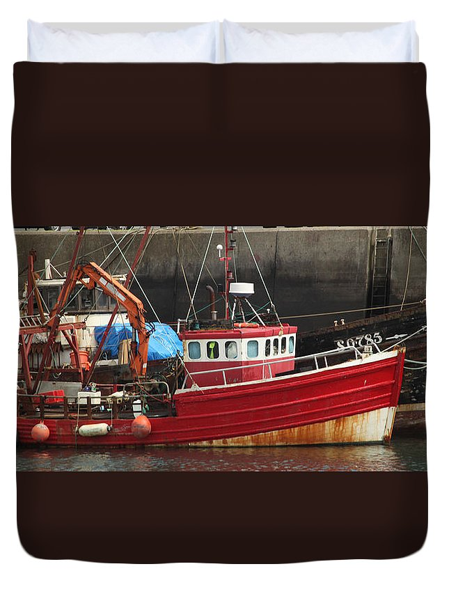 Boat Duvet Cover featuring the photograph Boat 0001 by Carol Ann Thomas