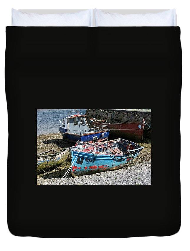 Boat Duvet Cover featuring the photograph Boat 0003 by Carol Ann Thomas