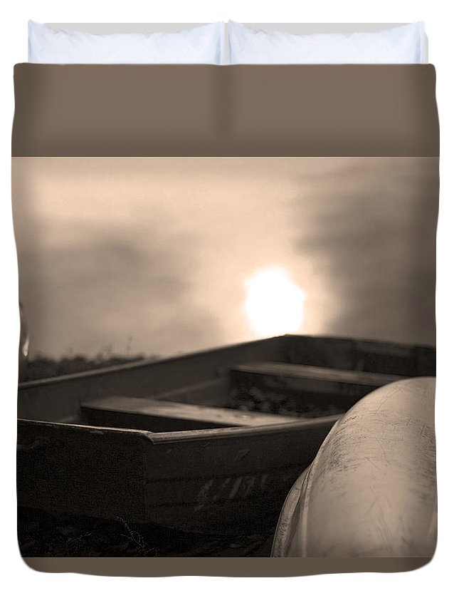 Boat Duvet Cover featuring the photograph Boats Down By The Pond by Gray Artus