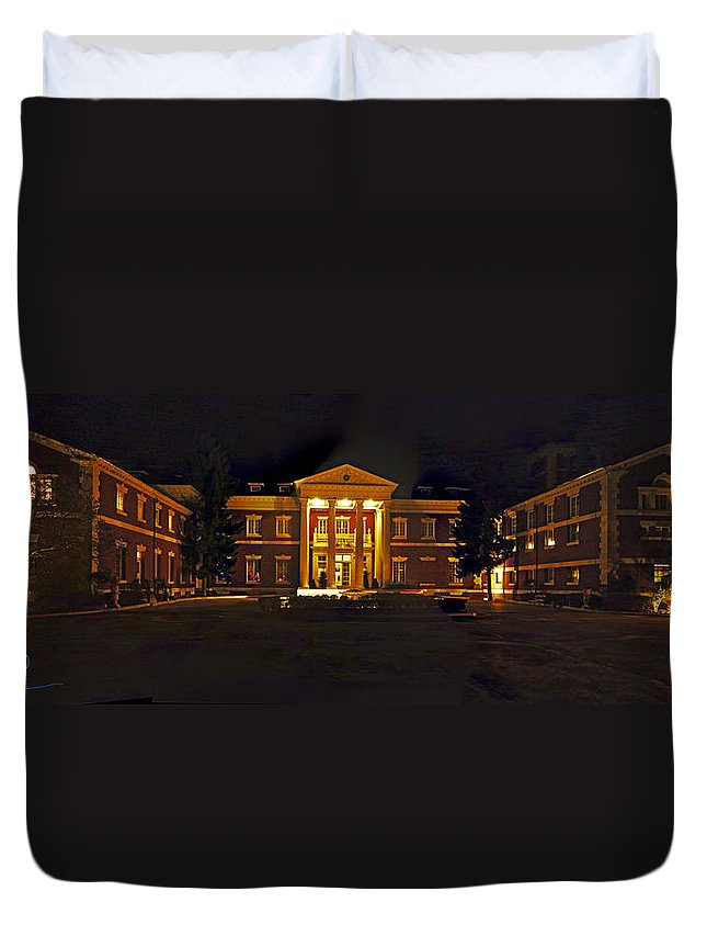 Panoramic Duvet Cover featuring the photograph Bourne Identity by S Paul Sahm
