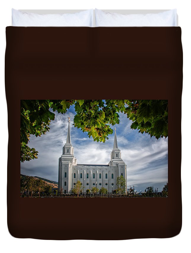 Brigham City Temple Photography Duvet Cover featuring the photograph Brigham City Temple Leaves Arch by La Rae Roberts