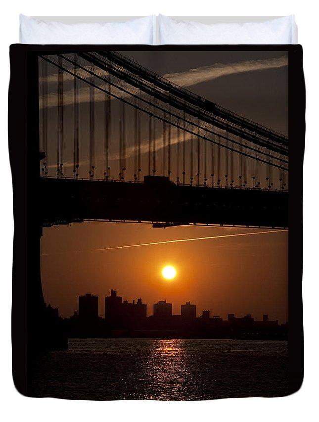 Brooklyn Bridge Sunrise Duvet Cover featuring the photograph Brooklyn Bridge Sunrise by Bill Cannon