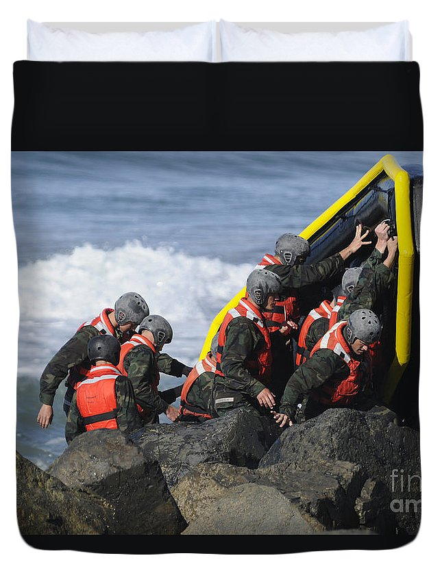 Special Warfare Duvet Cover featuring the photograph Buds Participate In Rock Portage by Stocktrek Images