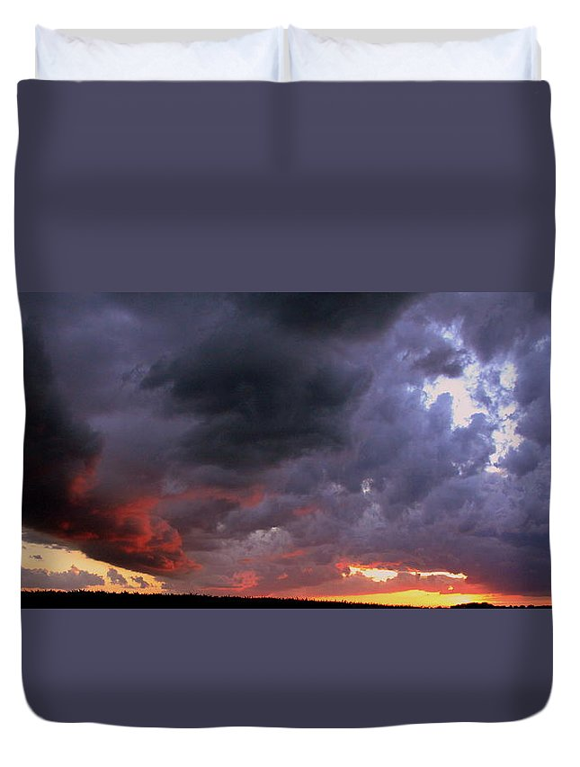 Bull Nose Duvet Cover featuring the photograph Bull Nose by Ed Smith
