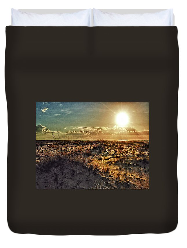 Alabama Photographer Duvet Cover featuring the digital art Burnt Orange Sunrise by Michael Thomas