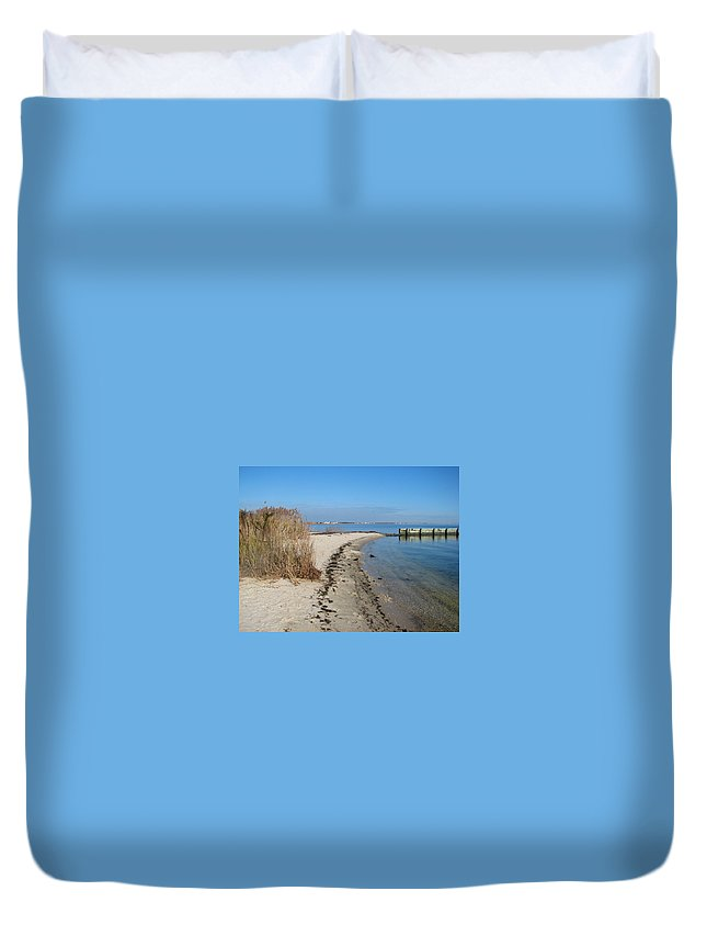 Jersey Shore Duvet Cover featuring the painting Butler Beach by Clara Sue Beym
