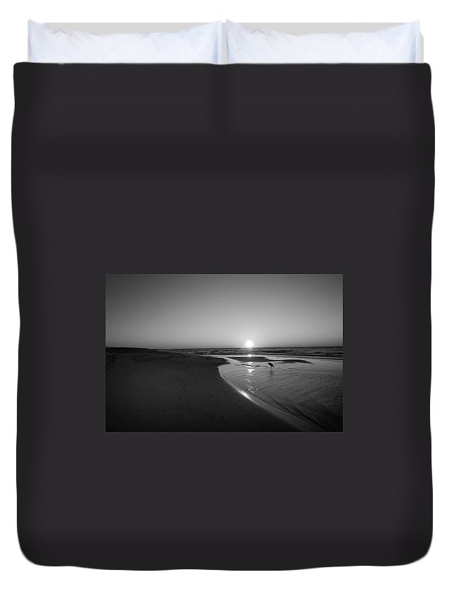Alabama Photographer Duvet Cover featuring the digital art Bw Sunrise With Heron In Pond by Michael Thomas