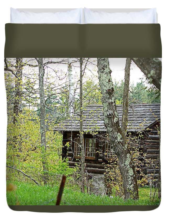 Cabin Duvet Cover featuring the photograph Cabin In The Woods by Lloyd Alexander