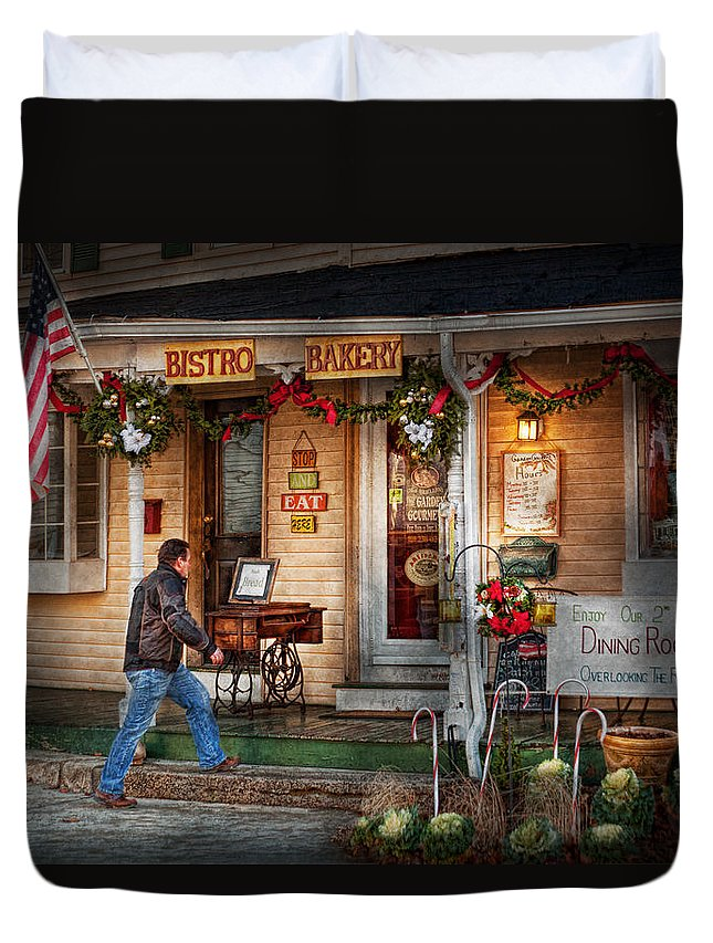 Clinton Duvet Cover featuring the photograph Cafe - Clinton Nj - Bistro Bakery by Mike Savad