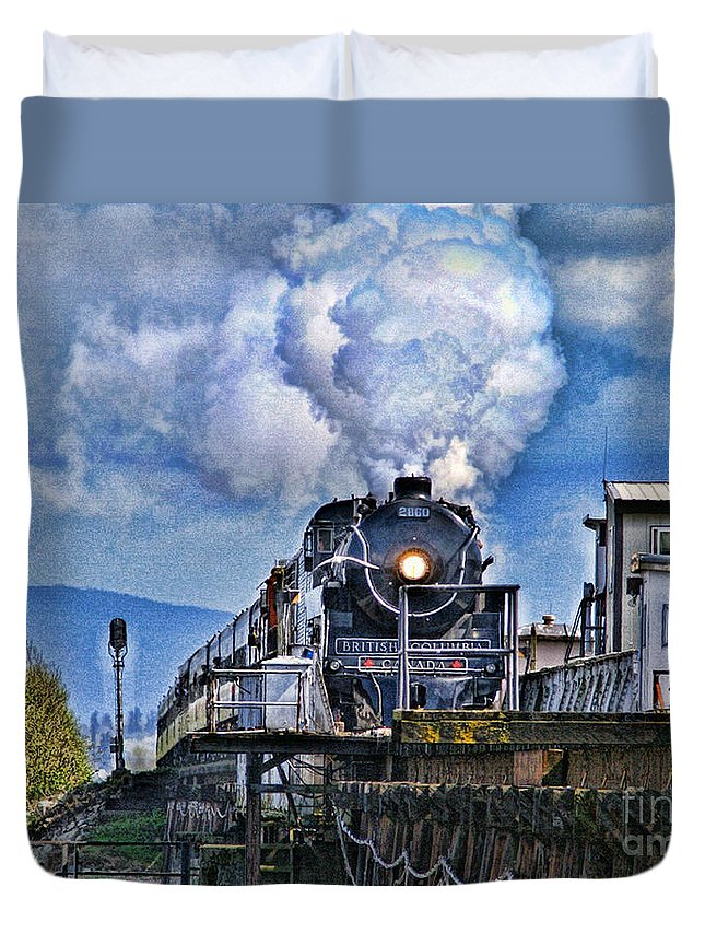 Trains Duvet Cover featuring the photograph Catr064-07 by Randy Harris