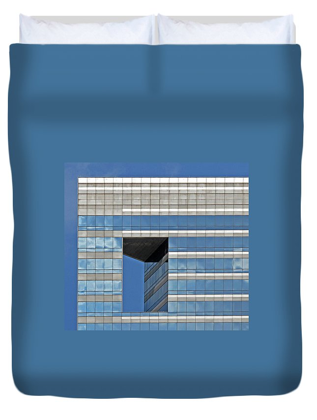Chicago Architecture Duvet Cover featuring the photograph Chicago Architecture 2 by Dave Mills