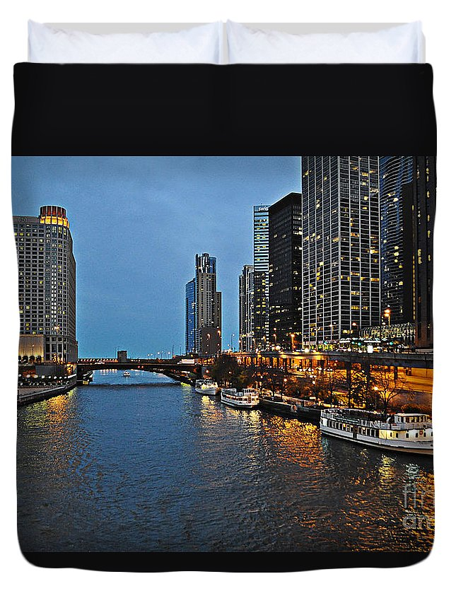 Chicago River Duvet Cover featuring the photograph Chicago River At Twilight by Mary Machare