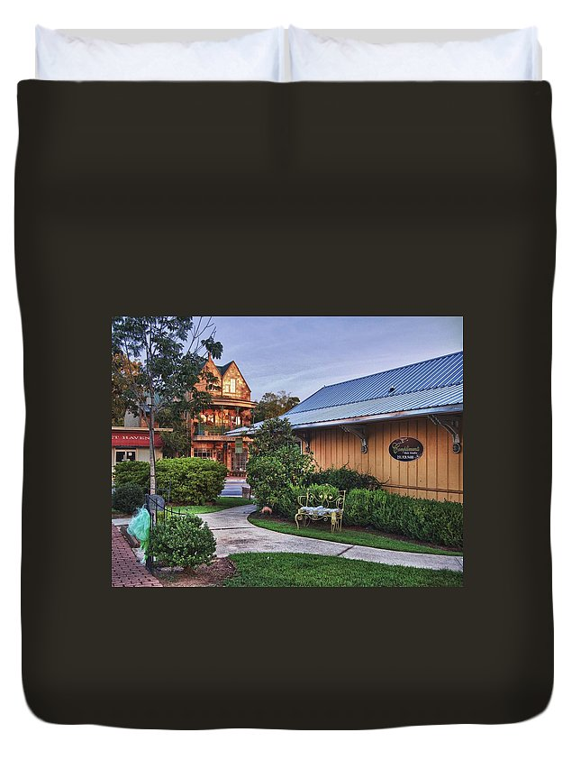 Alabama Photographer Duvet Cover featuring the digital art Church And Del La Mare by Michael Thomas