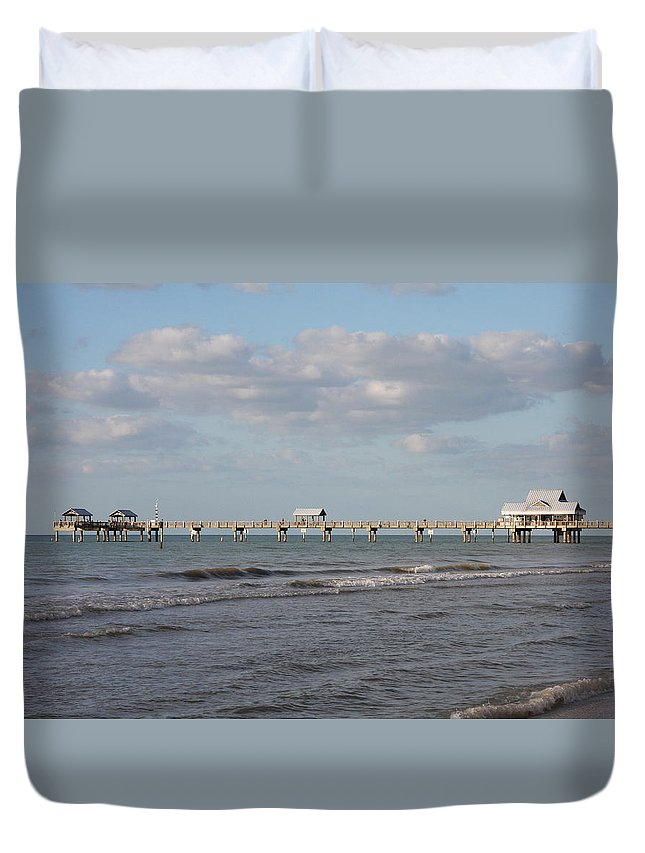 Clearwater Duvet Cover featuring the photograph Clearwater Pier 69 by Christiane Schulze Art And Photography