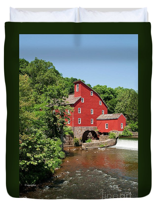 Clinton Mill Nj Duvet Cover featuring the photograph Clinton Mill IIi by Regina Geoghan