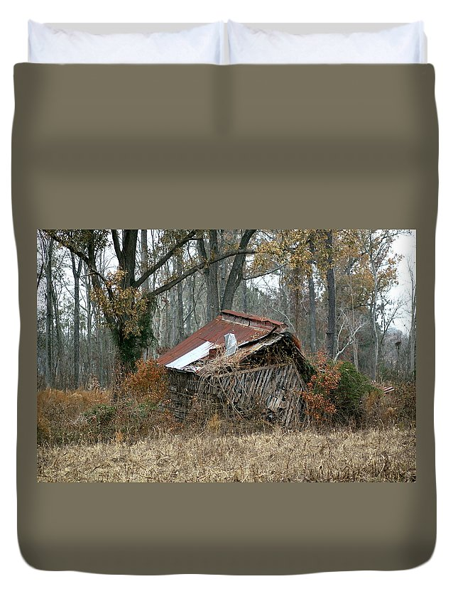 Tobacco Barn Duvet Cover featuring the photograph Collapse by Travis Truelove