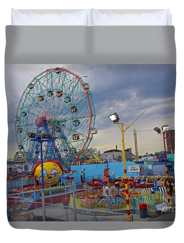 Coney Island Duvet Cover featuring the photograph Coney Island Amusements by Rich Walter