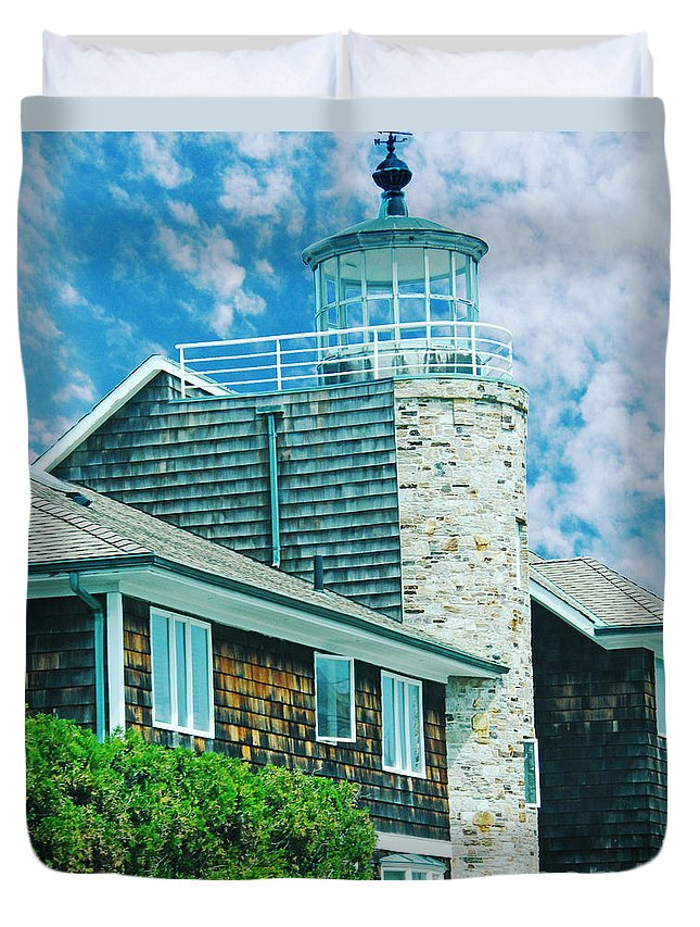 New England Duvet Cover featuring the digital art Conneticut Coastal Home by Lizi Beard-Ward