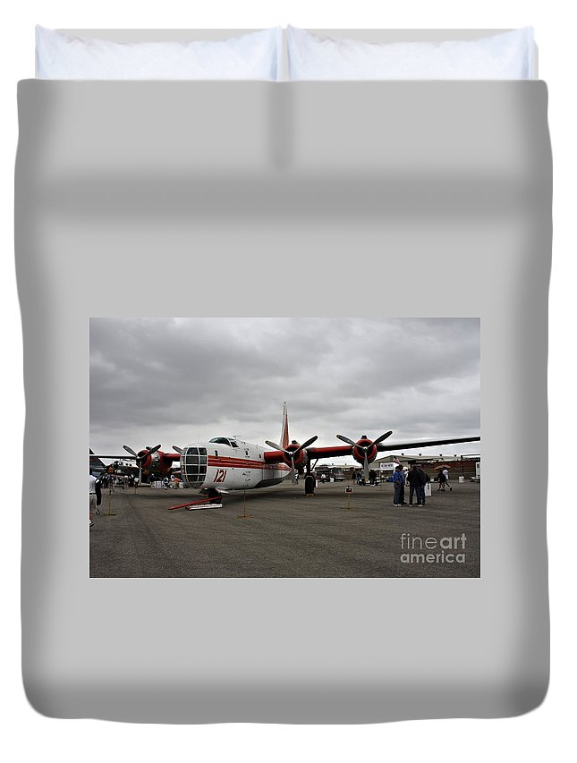 Consolidated Duvet Cover featuring the photograph Consolidated Pb4y-2 Privateer by Tommy Anderson