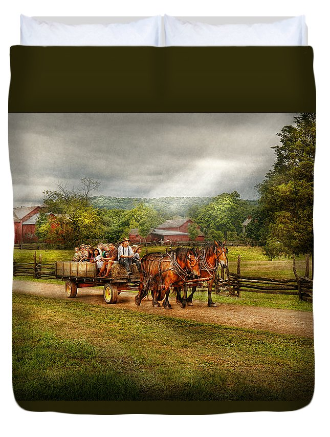 Horse Duvet Cover featuring the photograph Country - Horse - Life's Pleasures by Mike Savad