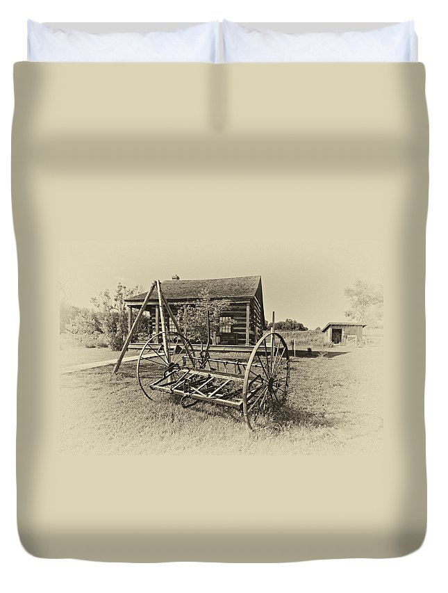 Grey Roots Museum & Archives Duvet Cover featuring the photograph Country Classic Antique by Steve Harrington