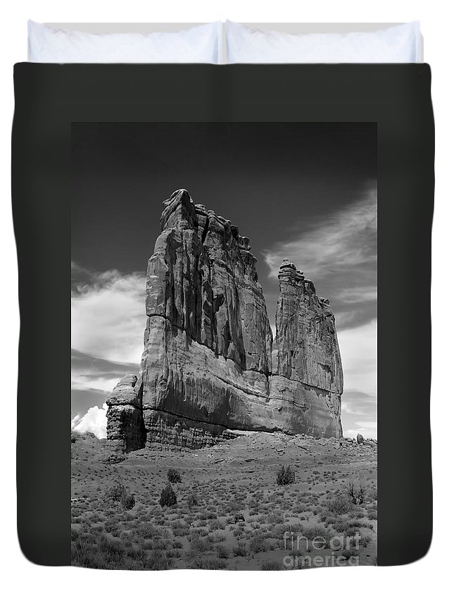 Black And White Duvet Cover featuring the photograph Couthouse Iv by Robert Bales