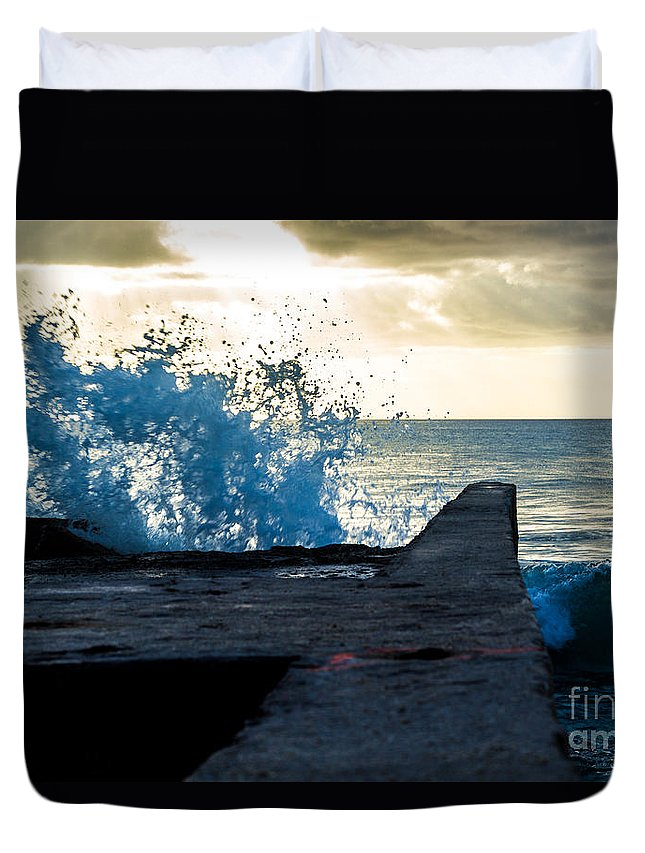 Bvi Duvet Cover featuring the photograph Crashing Blue by Rene Triay Photography