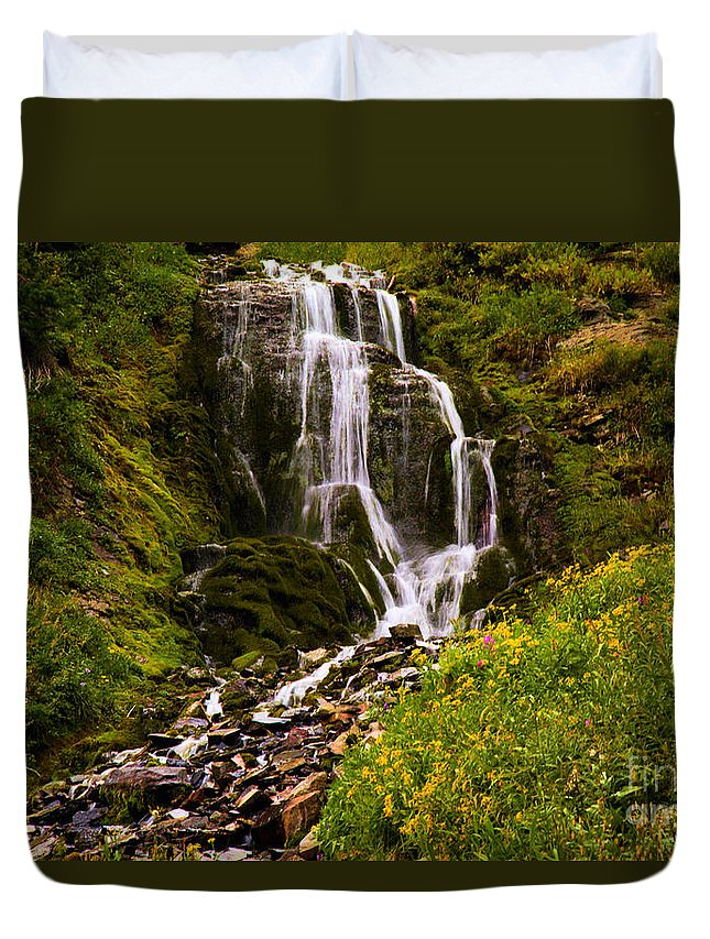 Vidae Falls Duvet Cover featuring the photograph Crater Lake Falls by Adam Jewell