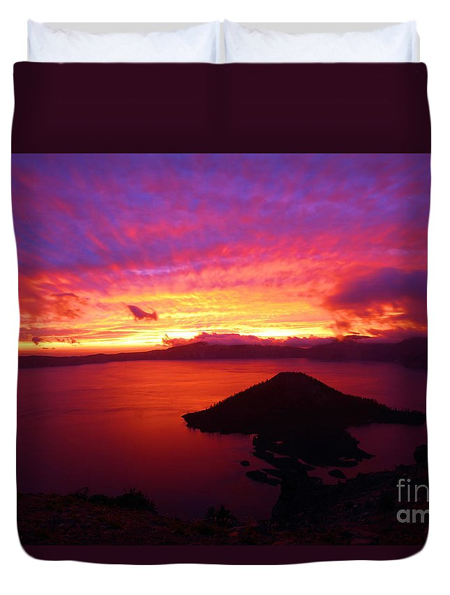 Crater Lake National Park Duvet Cover featuring the photograph Crater Lake Fire In The Sky by Adam Jewell