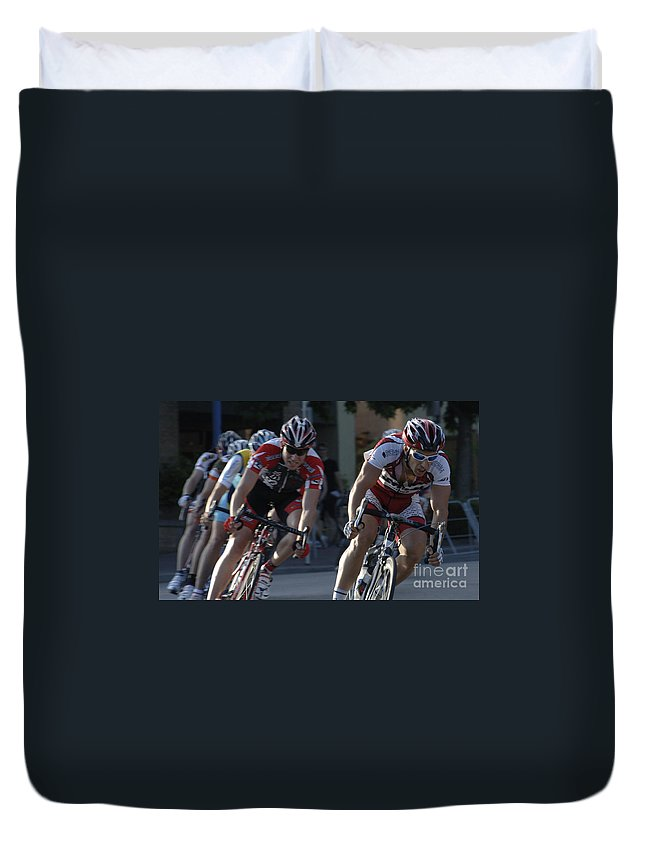 Criterium Duvet Cover featuring the photograph Criterium Bicycle Race 7 by Bob Christopher