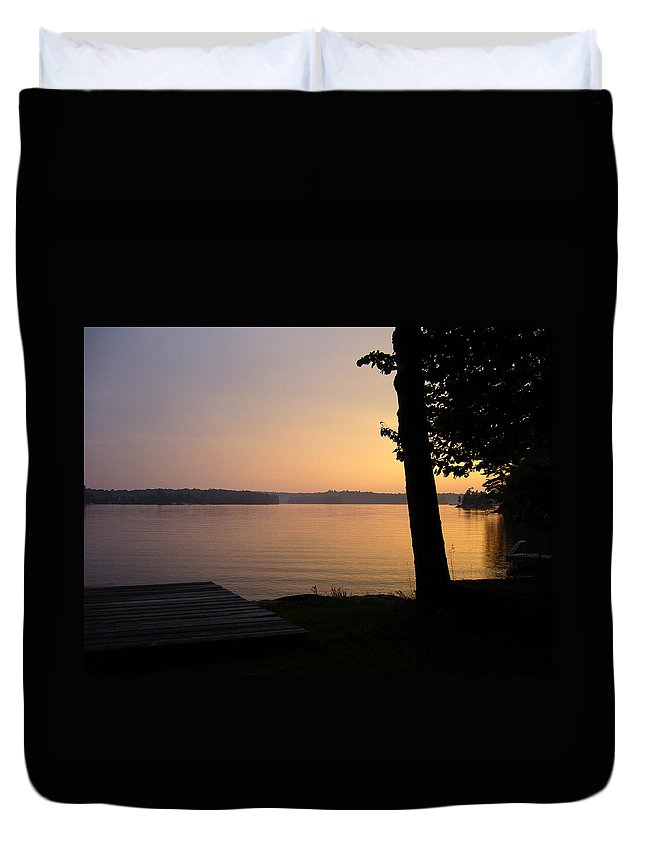 Sunset Duvet Cover featuring the photograph Day's End by Shirley Radebach