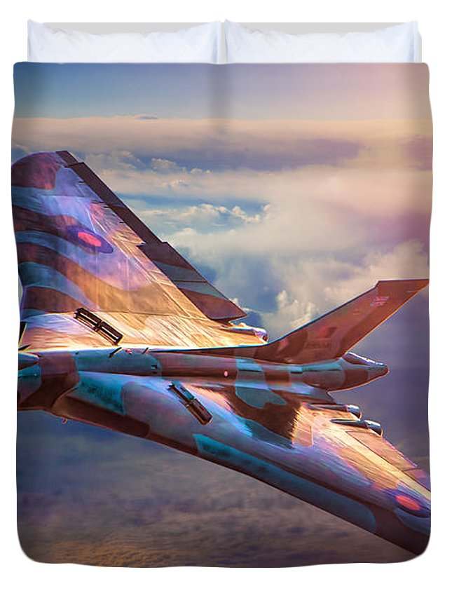 Aircraft Duvet Cover featuring the photograph Delta Lady by Chris Lord