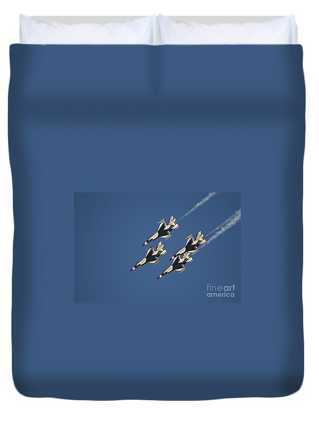 Usaf Duvet Cover featuring the photograph Diamond Loop Pullout by Tim Mulina