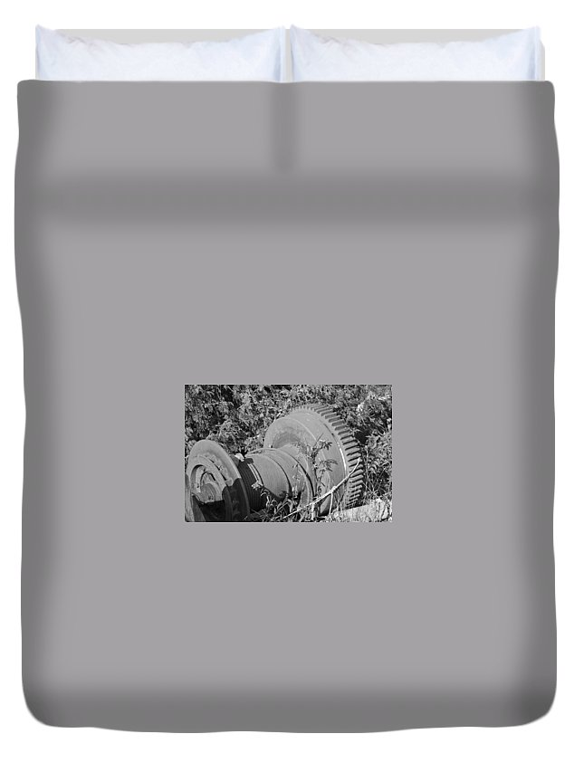 Winch Duvet Cover featuring the photograph Discarded by David Rucker