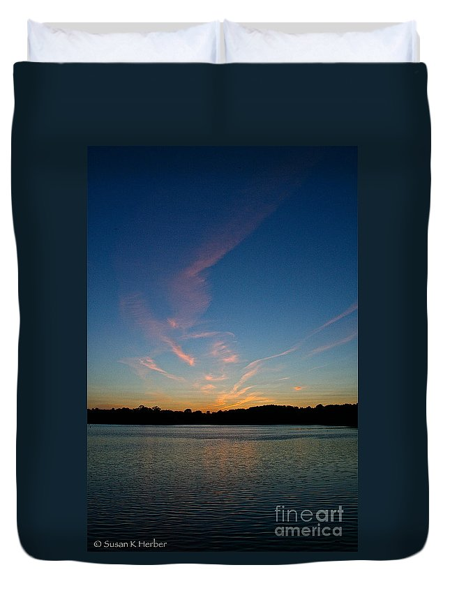 Outdoor Duvet Cover featuring the photograph Dissipating by Susan Herber