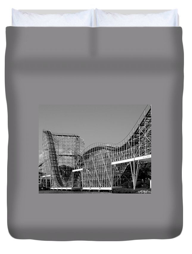 Double Dippin Duvet Cover featuring the photograph Double Dippin by Ed Smith
