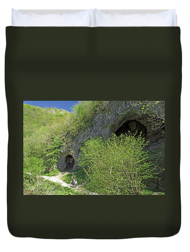 Britain Duvet Cover featuring the photograph Dove Holes - Dovedale by Rod Johnson