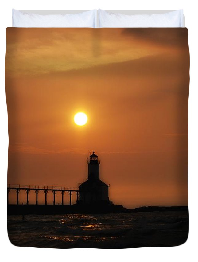 Sunset Duvet Cover featuring the photograph Dreamy Sunset At The Lighthouse by Scott Wood