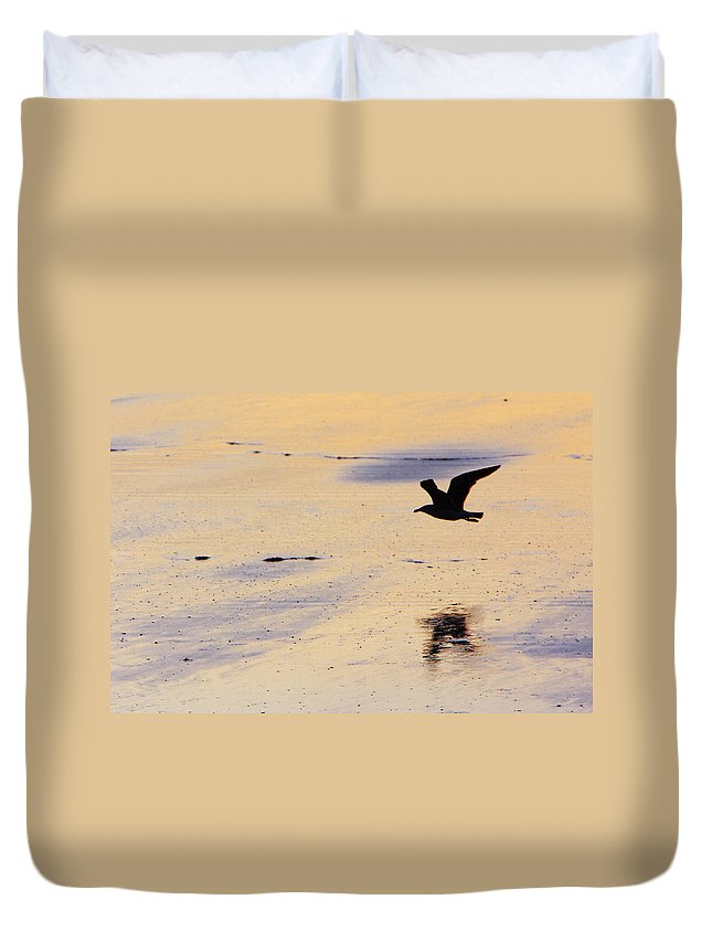Maine Duvet Cover featuring the photograph Early Morning Flight by Rick Berk
