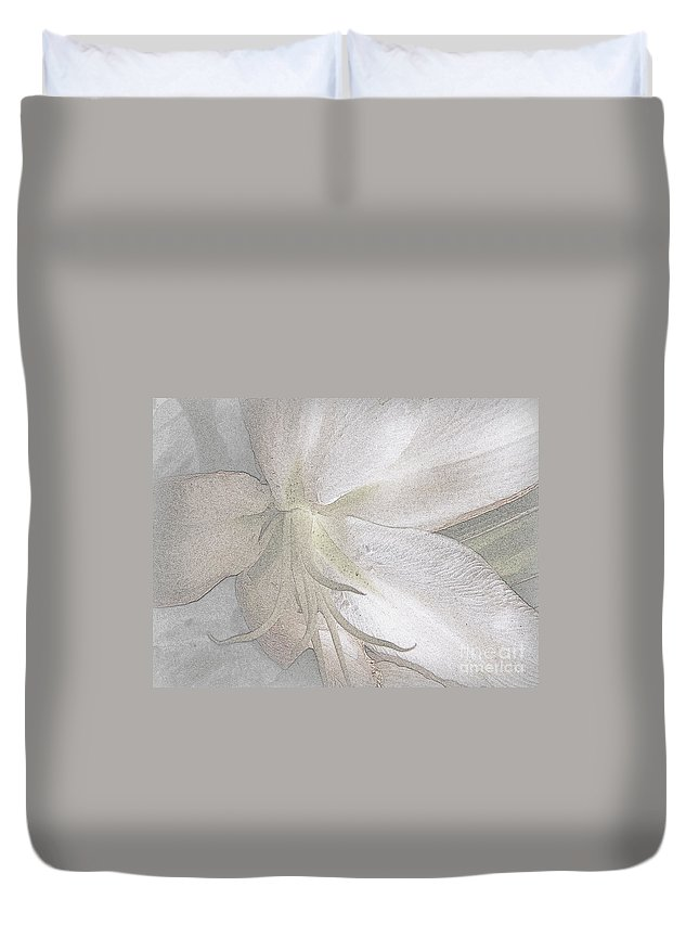 Lily Duvet Cover featuring the photograph Ebb by Priscilla Richardson