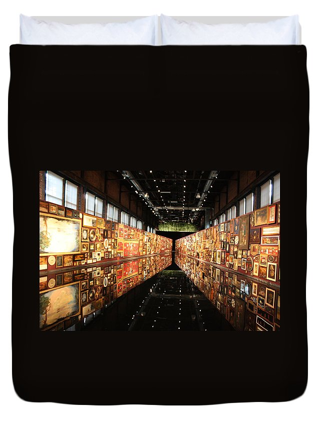 Water Duvet Cover featuring the photograph Ech2o by Pat Purdy