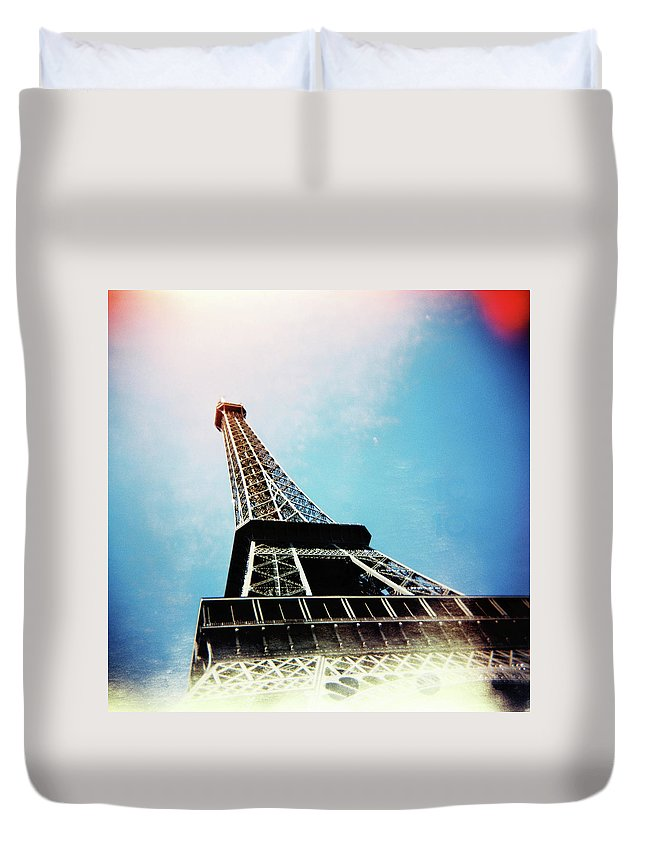 Holga Duvet Cover featuring the photograph Eiffel Tower by Olivier De Rycke