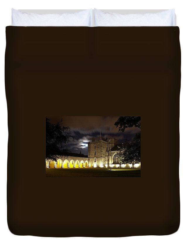 Elphinstone Duvet Cover featuring the photograph Elphinstone And Cromwell by Howard Kennedy