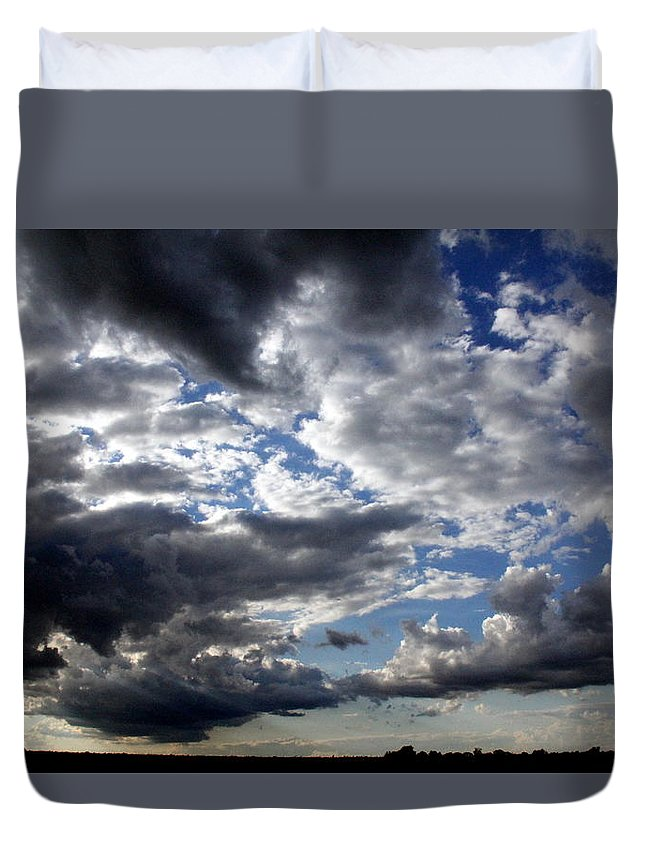 Embrace Me Duvet Cover featuring the photograph Embrace Me by Ed Smith