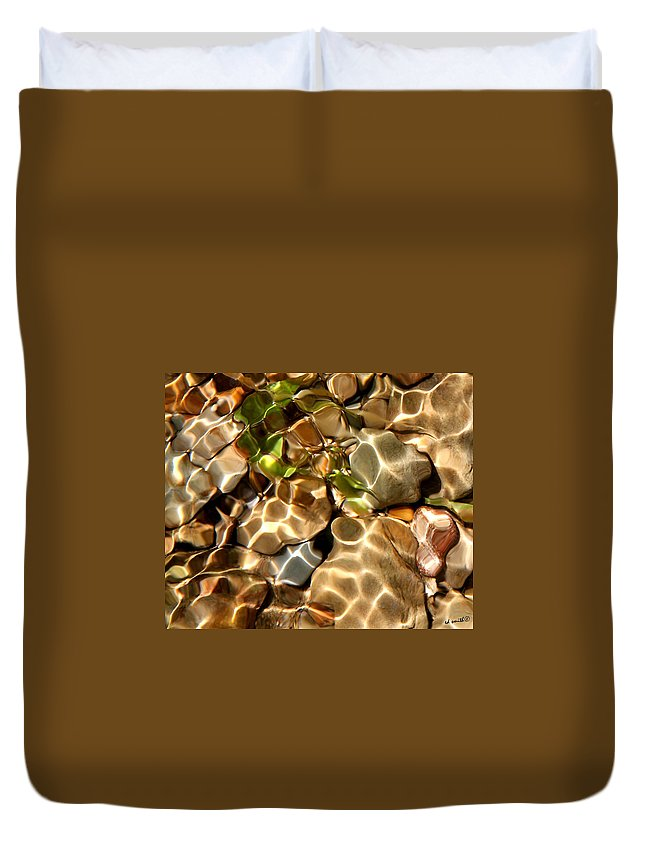 Emerald Immersion Duvet Cover featuring the photograph Emerald Immersion by Ed Smith