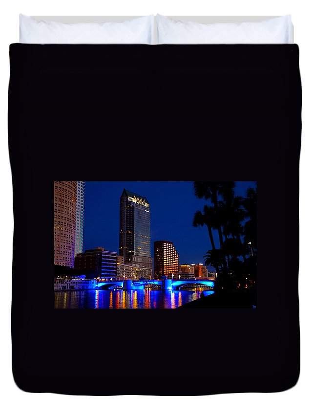 Art Duvet Cover featuring the painting Evening Along The Hillsborough by David Lee Thompson