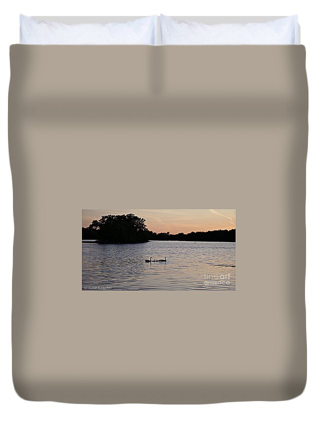 Outdoors Duvet Cover featuring the photograph Evening Commute by Susan Herber