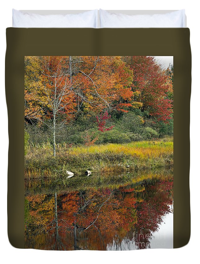 Maine Duvet Cover featuring the photograph Fall Reflections by Glenn Gordon